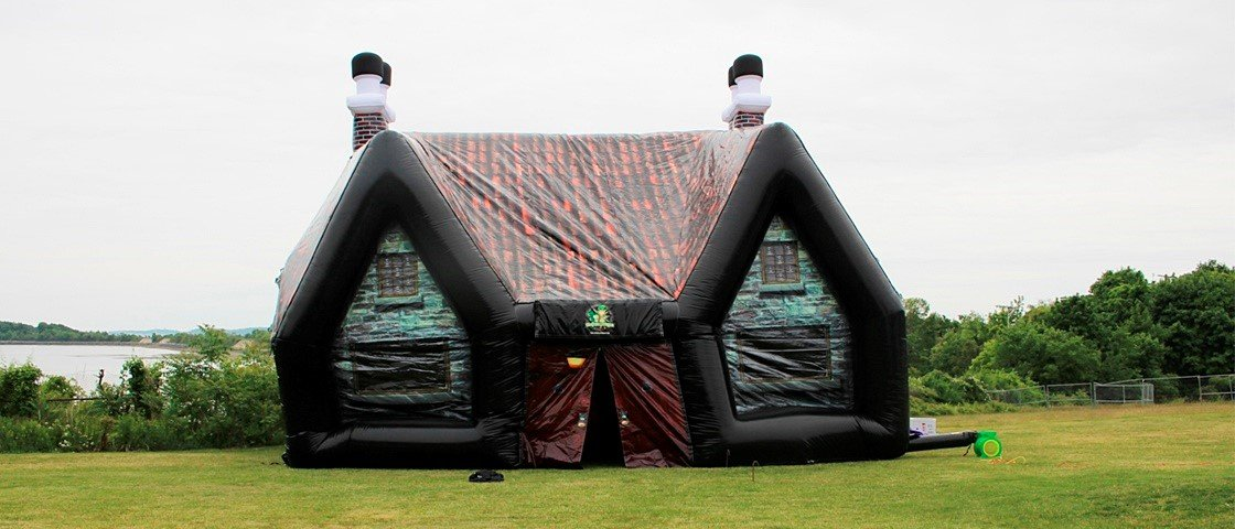 Conheça o bar inflável que imita perfeitamente um pub irlandês