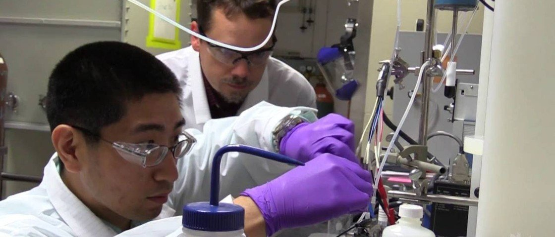 Por acidente, cientistas conseguem transformar CO2 em combustível