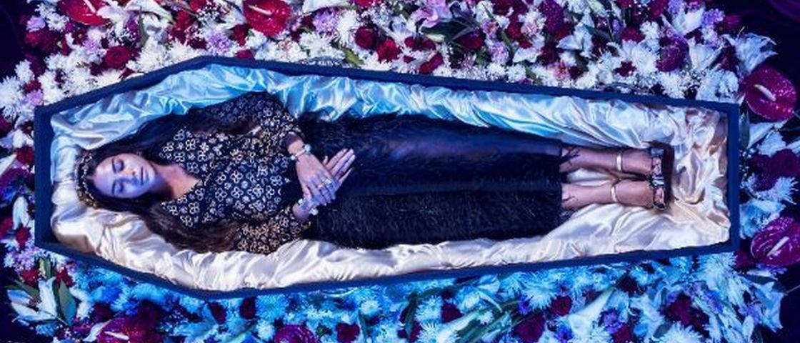 Moda macabra: loja lança linha de roupas para você usar em seu funeral