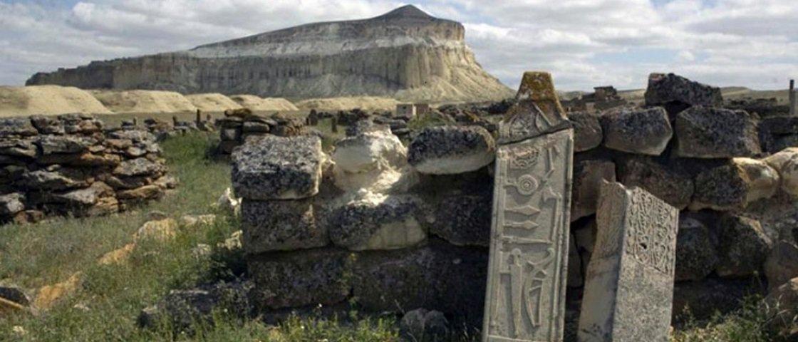 Descobriram um monumento misterioso no Cazaquistão maior que Stonehenge