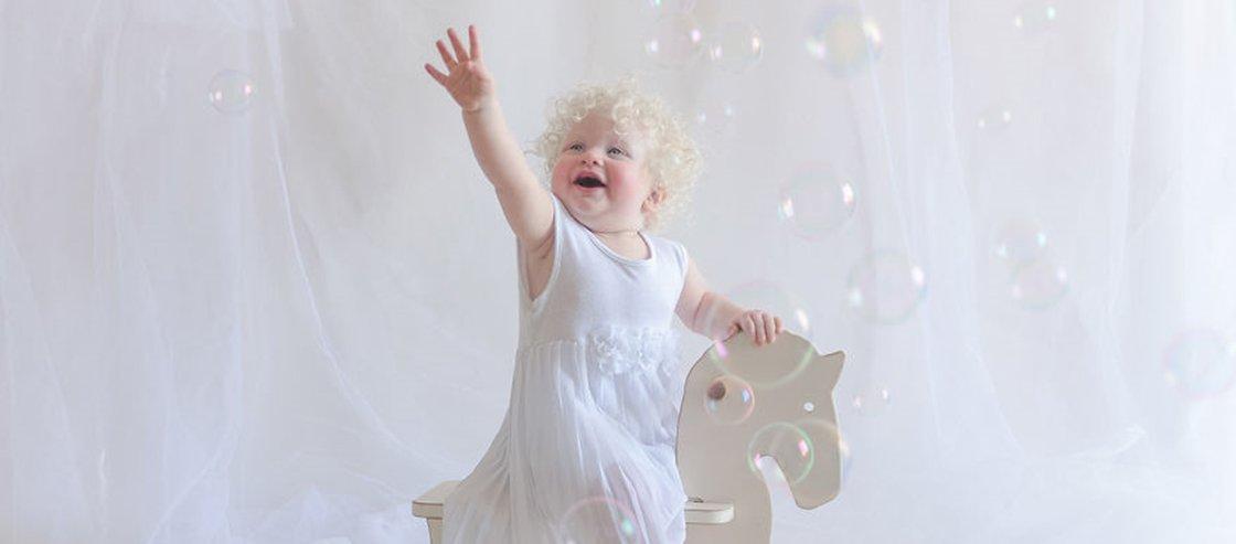 Fotógrafa captura beleza única dos albinos