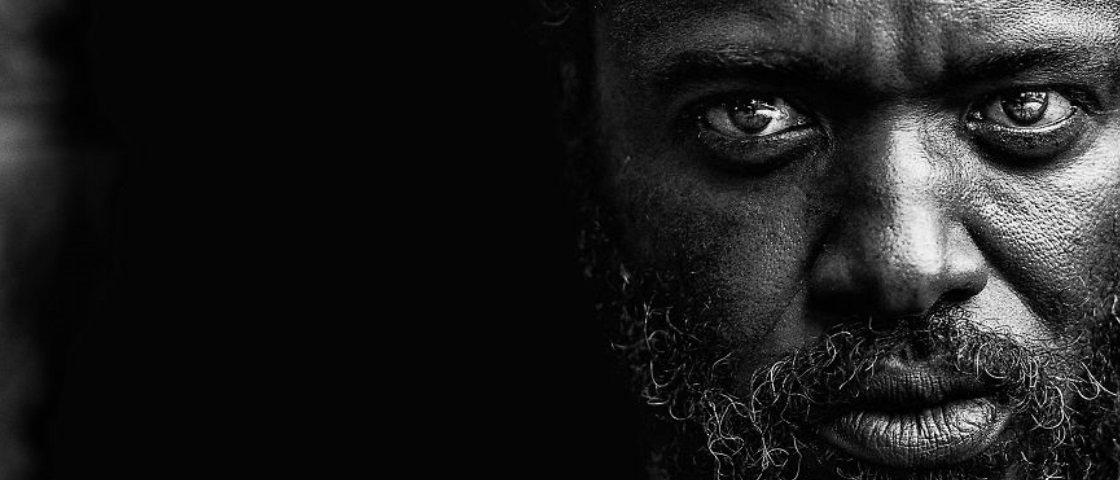 Fotógrafo brasileiro captura a essência humana de moradores de rua dos EUA
