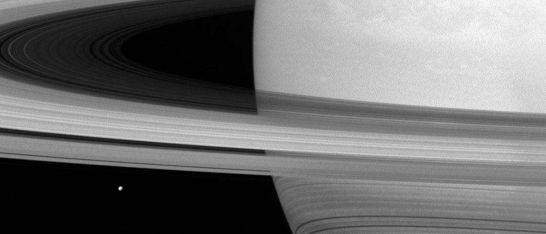 NASA divulga imagens incrivelmente detalhadas dos Anéis de Saturno