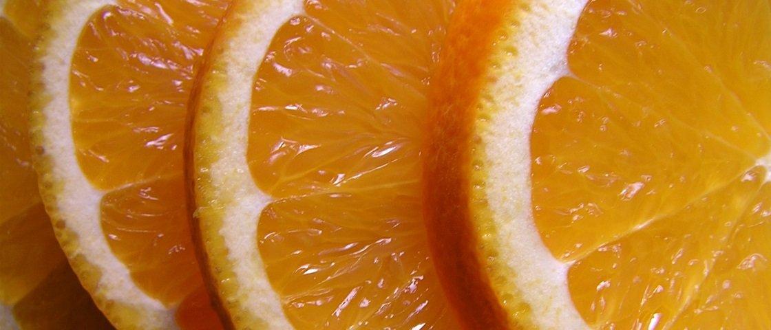 A vitamina C realmente previne gripes e resfriados?