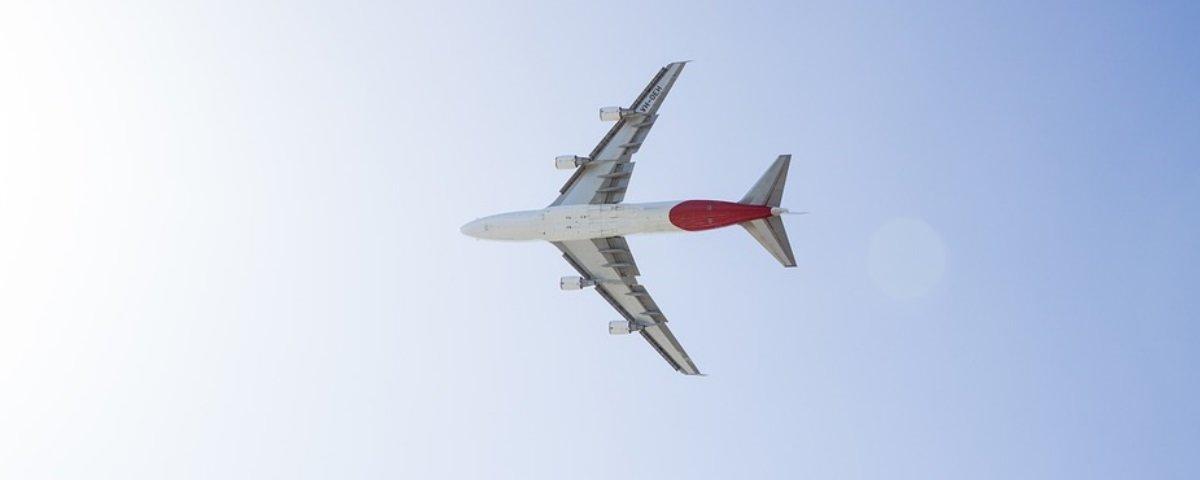Eita! Esta companhia aérea quer que os passageiros viajem em pé!
