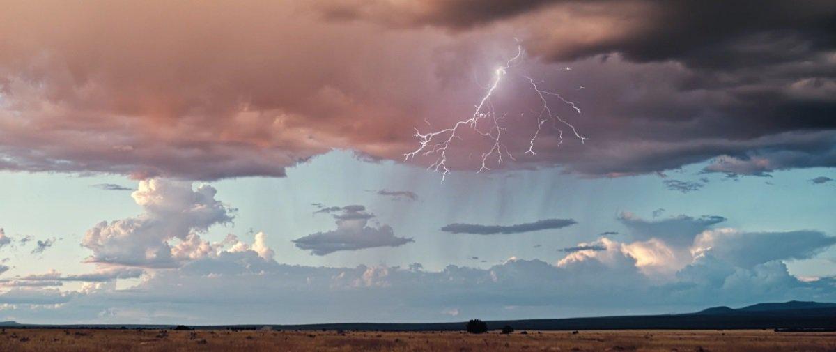 Espetacular: esta sequência de tempestades de raios é simplesmente épica