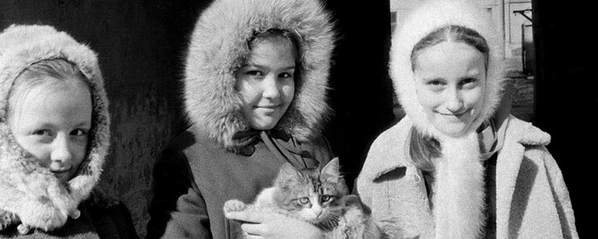 Incrível! Mulher acha mais de 30 mil fotos feitas pela mãe durante a URSS