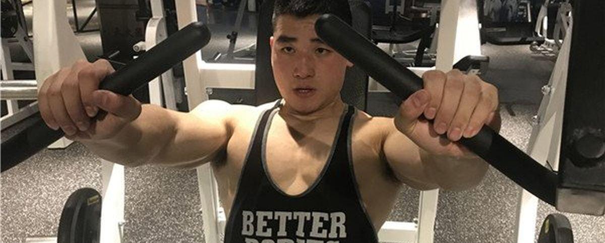 Chinês vai de obeso a bodybuilder em apenas 6 meses!