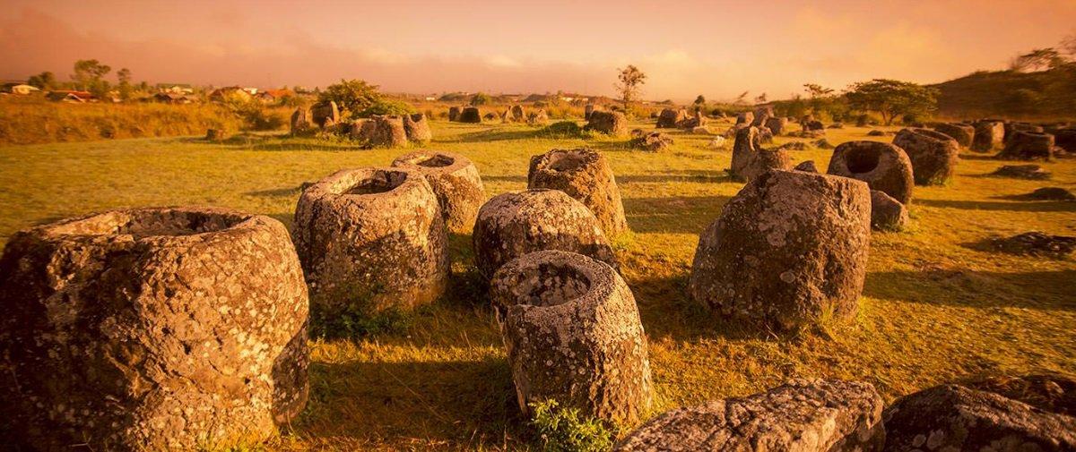 Qual seria a utilidade dos misteriosos jarros gigantes que existem no Laos?