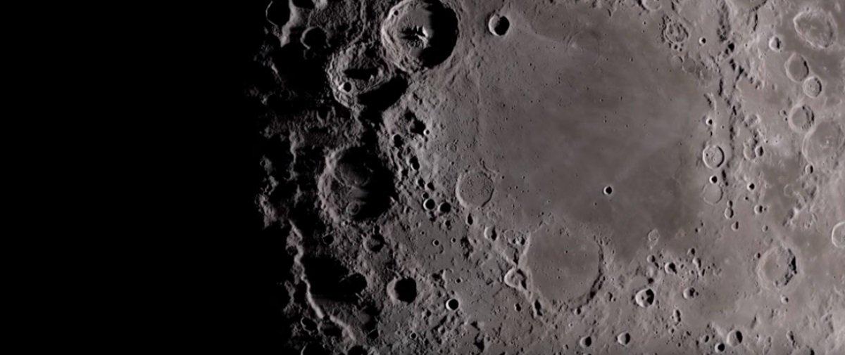 Este vídeo deslumbrante vai levar você a uma viagem ao redor da Lua
