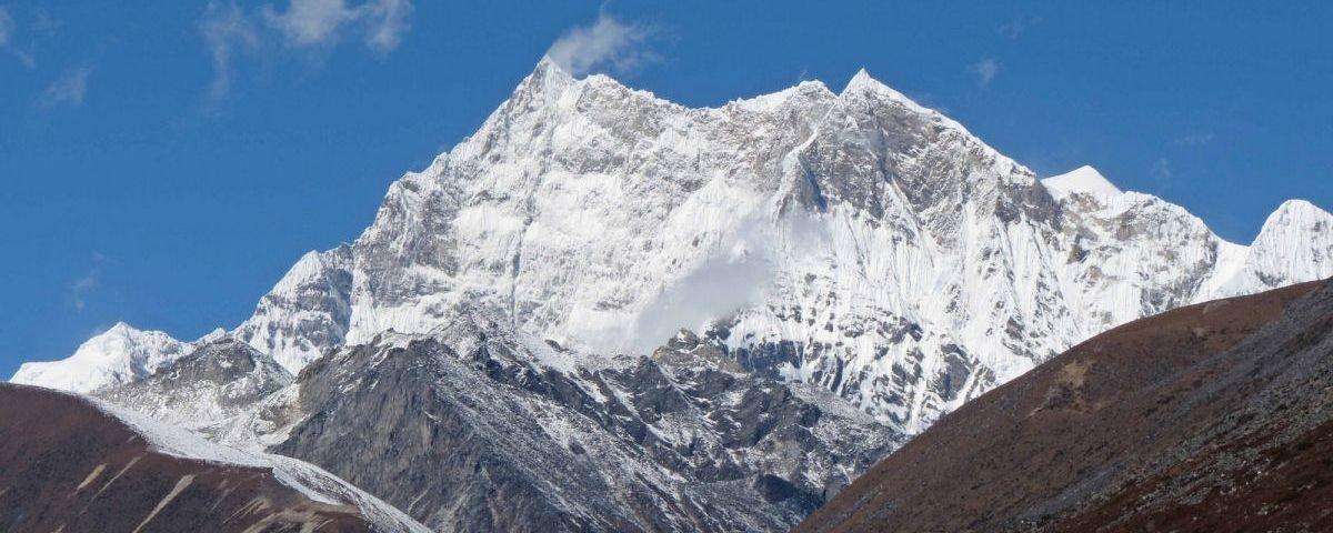 Conheça a mais alta montanha do mundo que ainda não foi escalada