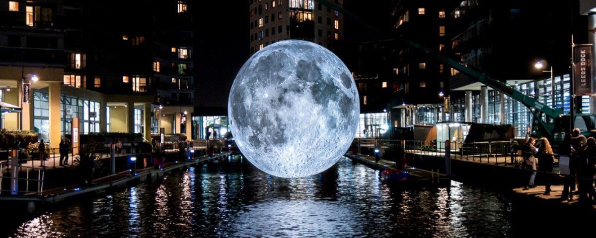 Já imaginou como seria poder ver a Lua bem de perto?