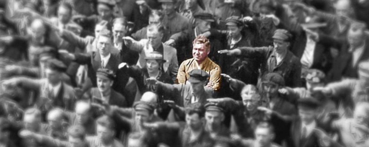 August Landmesser: conheça a história do homem que protagonizou esta foto