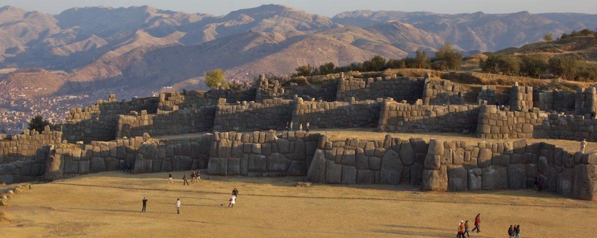 Sacsayhuamán: saiba mais sobre as intrigantes muralhas que ficam no Peru