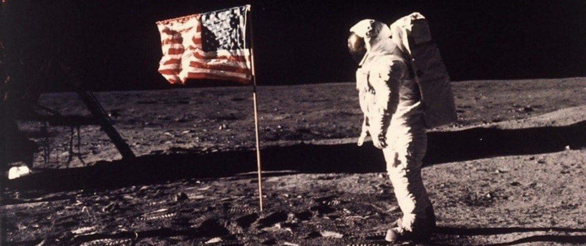 """Russos pretendem """"verificar"""" se os americanos realmente pisaram na Lua"""