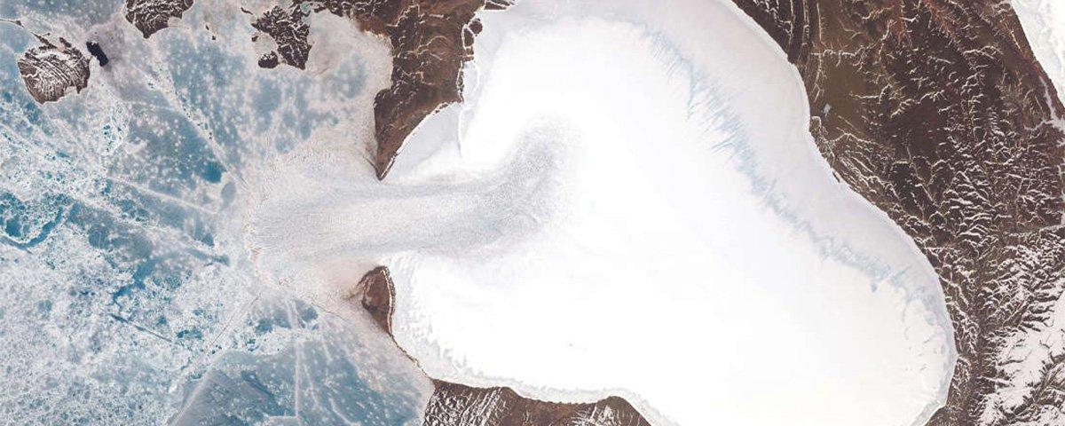 Glaciar em deserto polar na Rússia está desaparecendo.