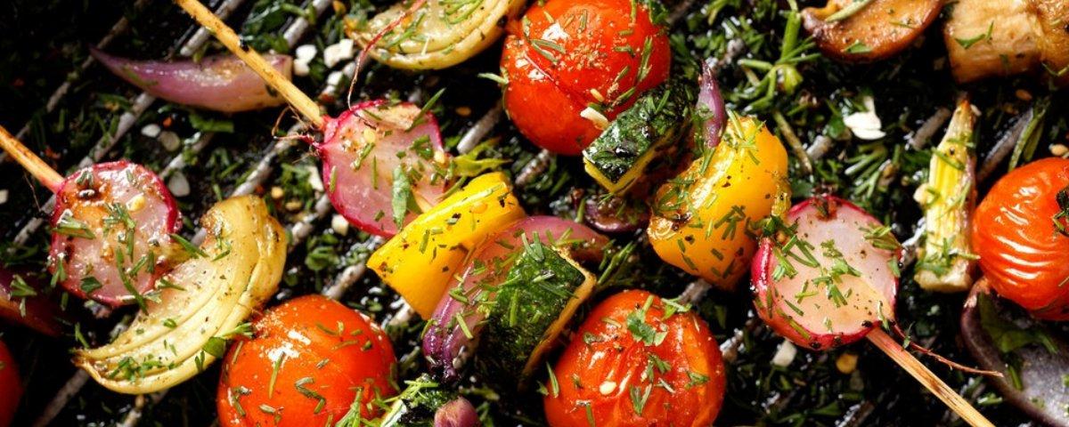 Comer vegetais é saudável e ainda protege a natureza, afirma estudo