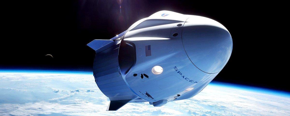 SpaceX testa foguetes auxiliares para futura missão tripulada