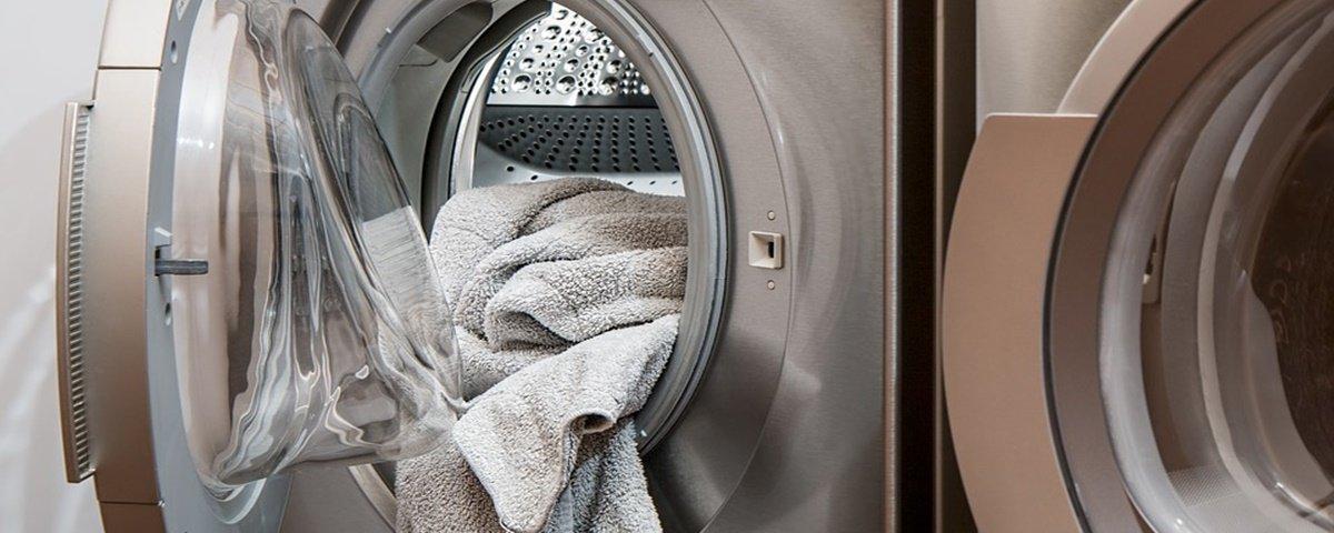 Máquinas de lavar podem espalhar bactérias entre lavagens