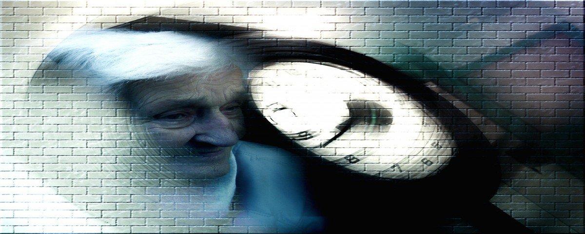 Filhos de pessoas com demência desenvolvem sintomas mais cedo