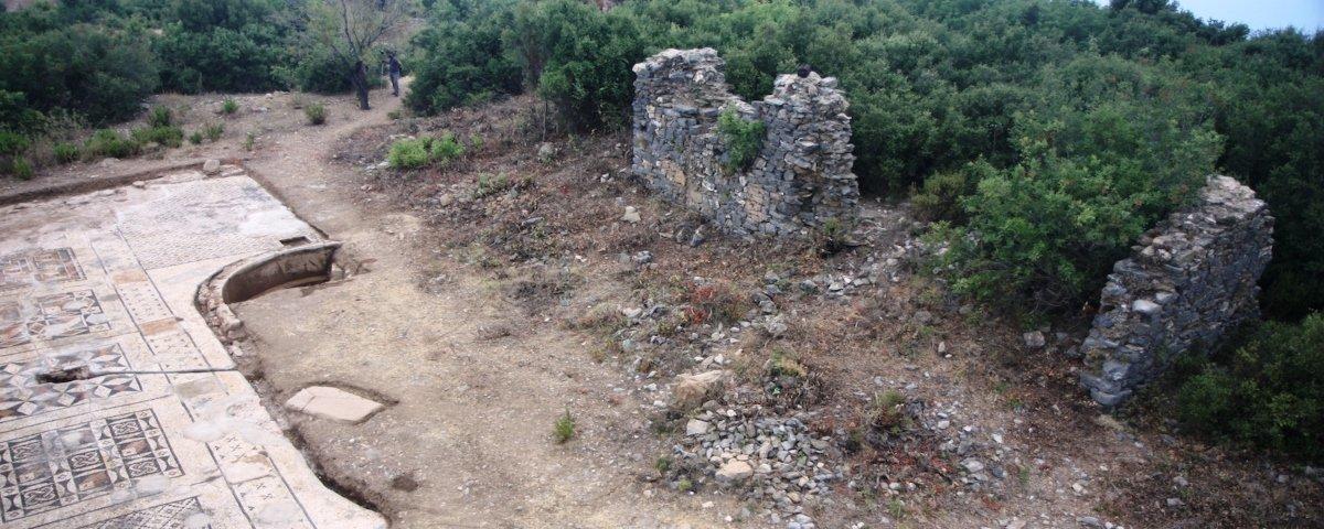 Mosaico romano imenso é descoberto em fazenda turca
