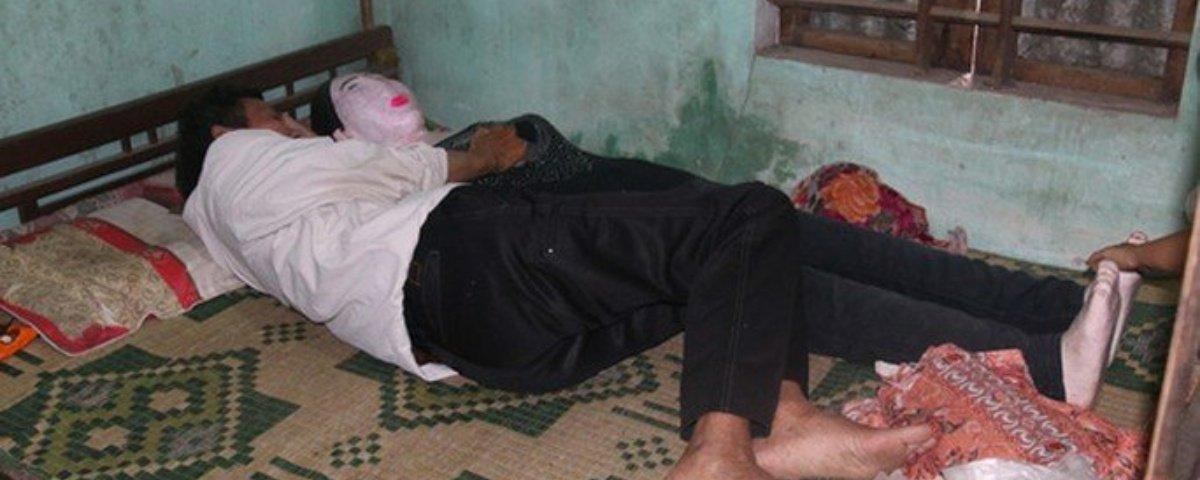 Vietnamita dorme há 16 anos com o cadáver de sua esposa