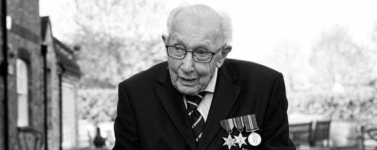 Veterano da 2ª Guerra Mundial arrecada £ 32 milhões contra covid-19