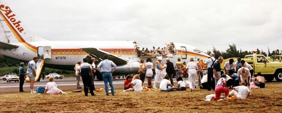 Voo 243 da Aloha Airlines despressurizou em pleno ar