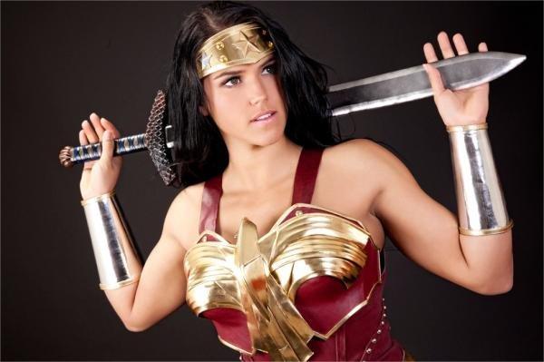 Fotógrafo transforma cosplayers em autênticos super-heróis