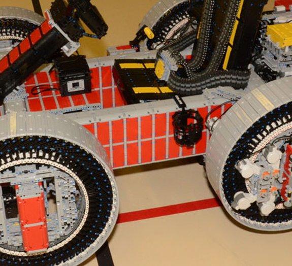 Que tal andar em um kart construído inteiramente de LEGO? [vídeo]
