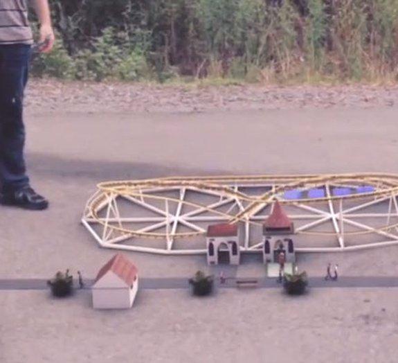 RollerCoaster Tycoon: construa um parque de diversões na vida real [vídeo]