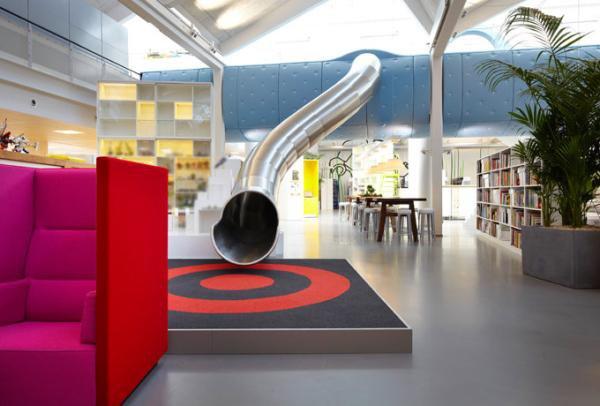 Escritório da LEGO conta com escorregador e sala de jogos [galeria]