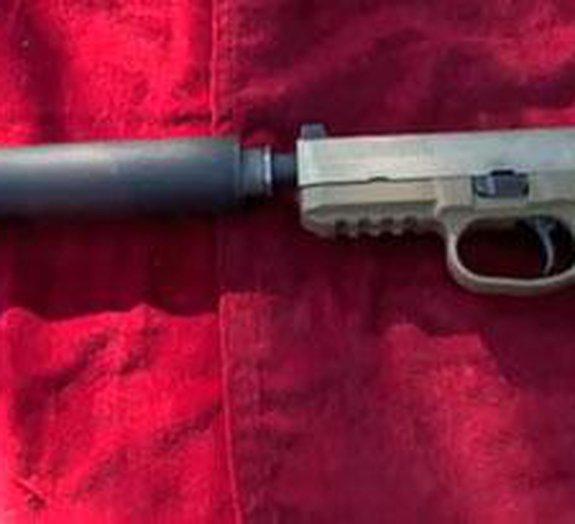 Conheça o verdadeiro som de uma pistola com silenciador