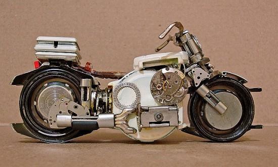 Incríveis miniaturas de motos feitas de relógios de pulso antigos [galeria]