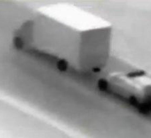 Assalto móvel: ladrões malucos tentam roubar caminhão em rodovia na Romênia