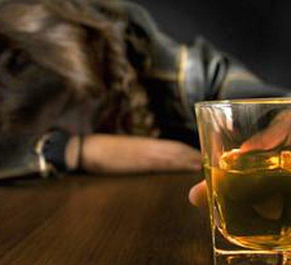 5 modos pouco espertos de ficar bêbado sem beber