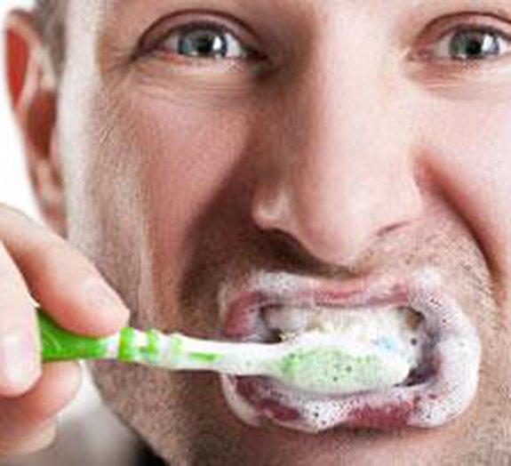 Tire o gosto de pasta de dentes quando for comer logo depois da escovação