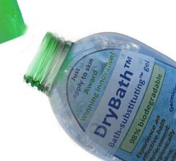 Gel criado por estudante permite tomar banho sem usar água