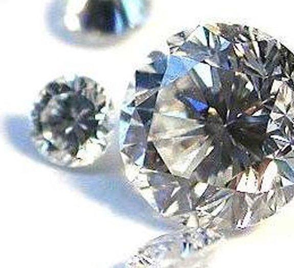 Novo material de carbono é tão resistente quanto o diamante