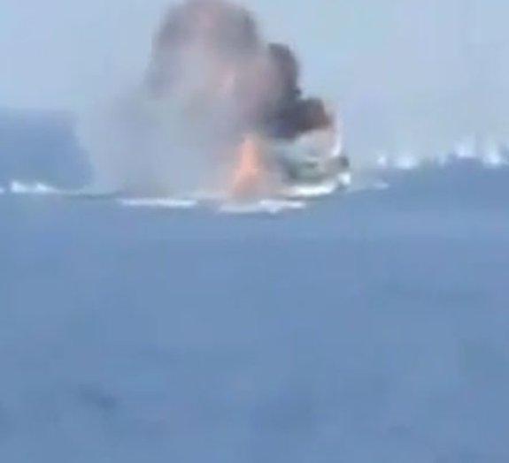 Marinha russa enfrenta piratas somalis [vídeo]