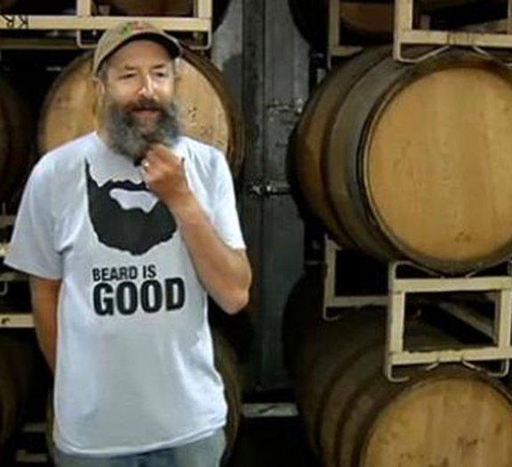 Bizarro: você tomaria uma cerveja feita com barba?