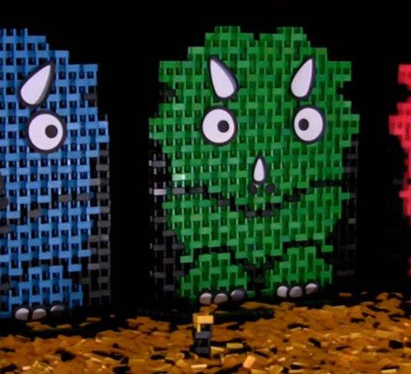 Grupo recria o desaparecimento dos dinossauros com dominós [vídeo]