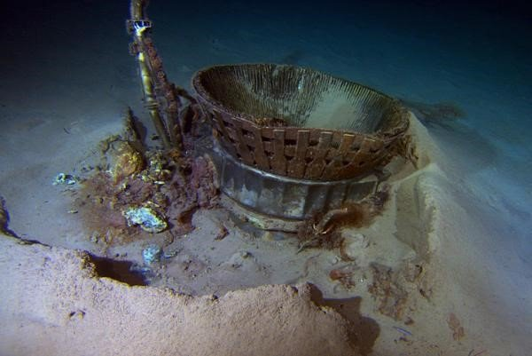 Motor da Apollo 11 estava parcialmente enterrado no fundo do oceano.