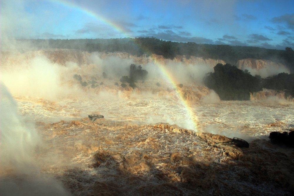 Cataratas do Iguaçu batem recorde de vazão por causa das chuvas [imagens]