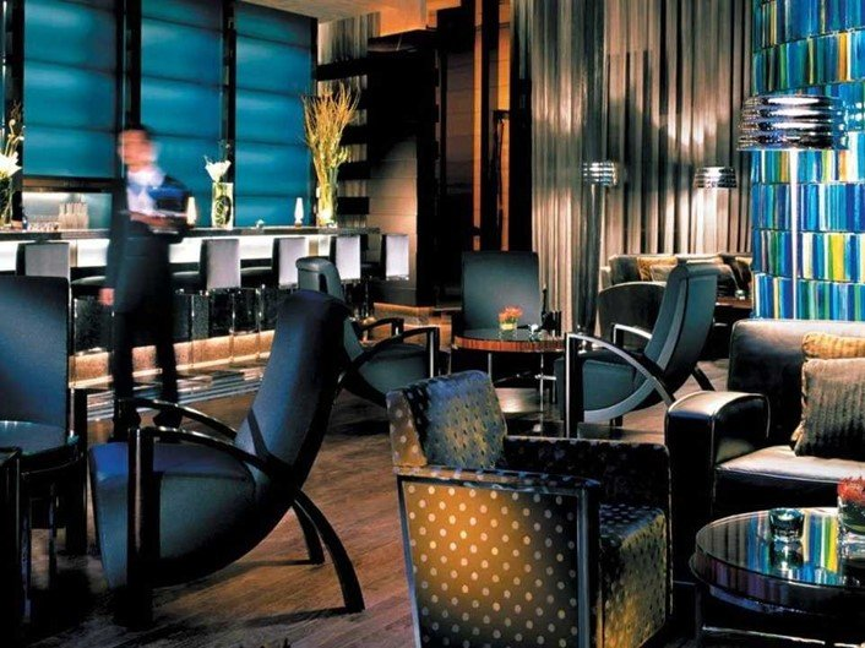 11 - Four Seasons Hotel, Hong Kong