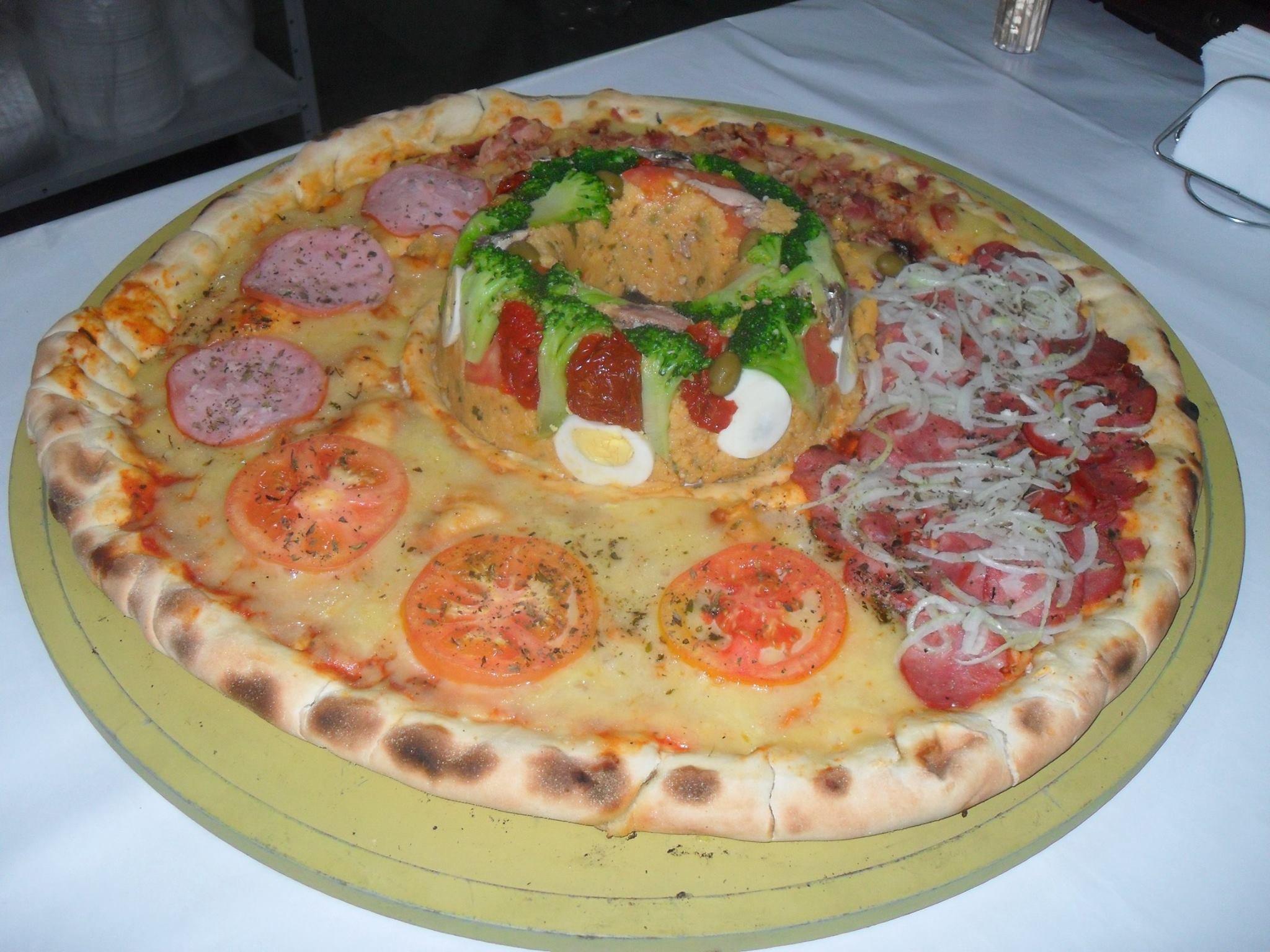 Sem exagero: estas são as pizzas mais monstruosas que você vai ver na vida