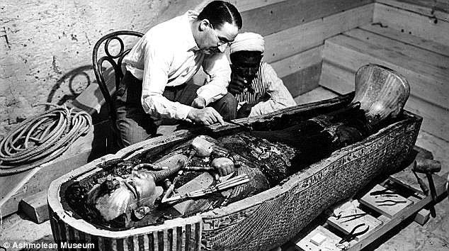 O corpo do faraó foi encontrado em novembro de 1922 por Howard Cartes.