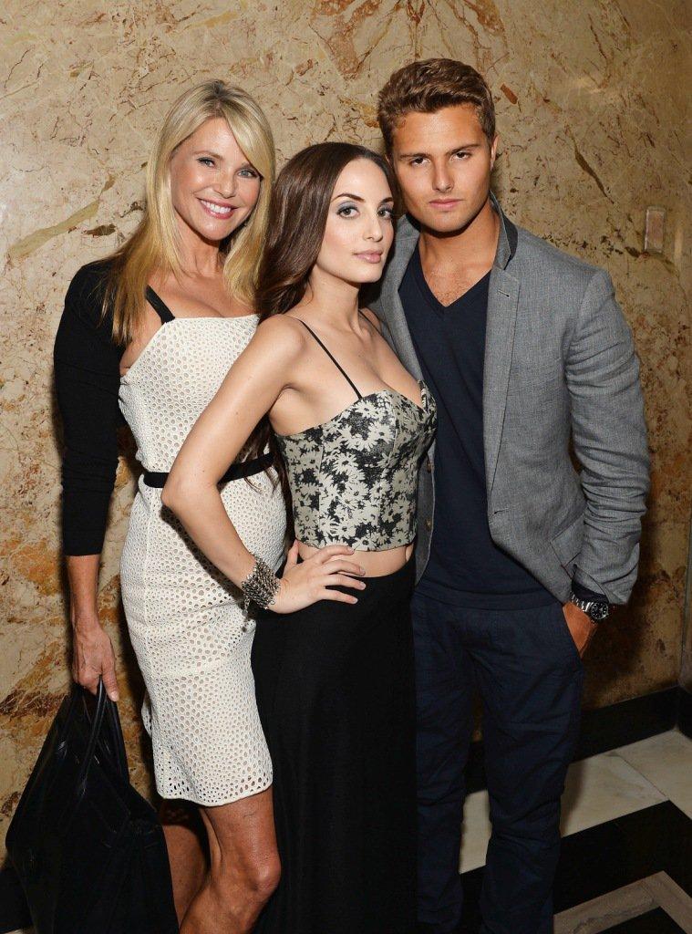 Christie e dois de seus filhos. Mike Coppola/Getty Images