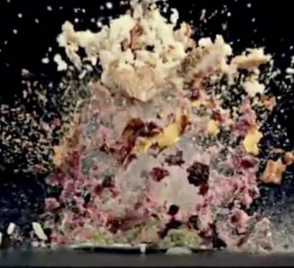 Comercial de geladeira mostra comidas explodindo em câmera lenta [vídeo]