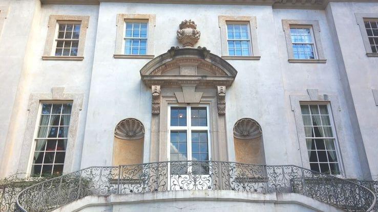 Detalhe da fachada da casa.